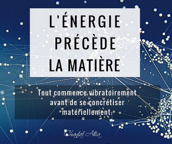 L'énergie précède la matiére